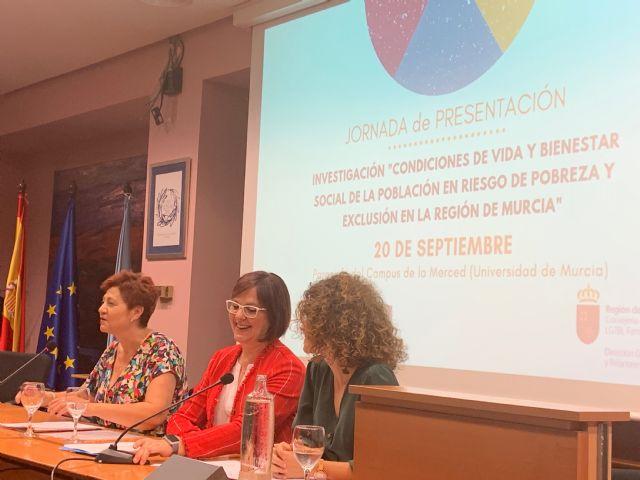 Isabel Franco inaugura las jornadas de presentación de un estudio de la UMU sobre pobreza en la Región - 1, Foto 1