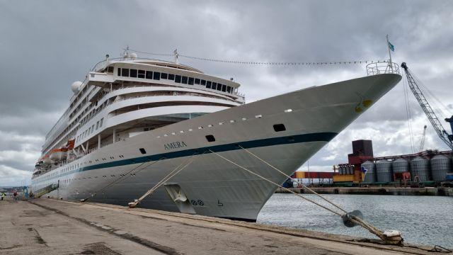 Santander reinicia el turismo de cruceros en Cantabria con la llegada del Amera - 1, Foto 1