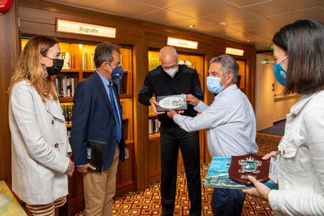 Santander reinicia el turismo de cruceros en Cantabria con la llegada del Amera - 2, Foto 2