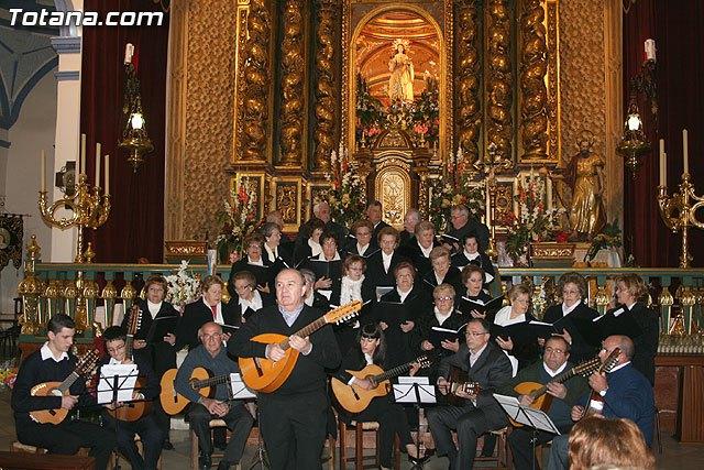 La misa de villancicos a cargo de la orquesta de Pulso y Púa Ciudad de Totana y el Coro Amanenecer se celebrará mañana sábado 2 de enero, Foto 1