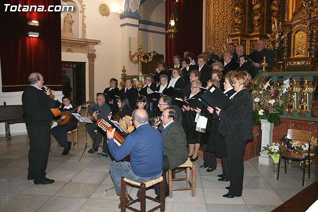 La misa de villancicos a cargo de la orquesta de Pulso y Púa Ciudad de Totana y el Coro Amanenecer se celebrará mañana sábado 2 de enero, Foto 2