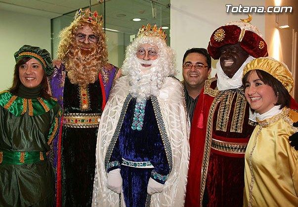 Los Reyes Magos llegarán mañana domingo a la Plaza de la Constitución de Totana, Foto 1