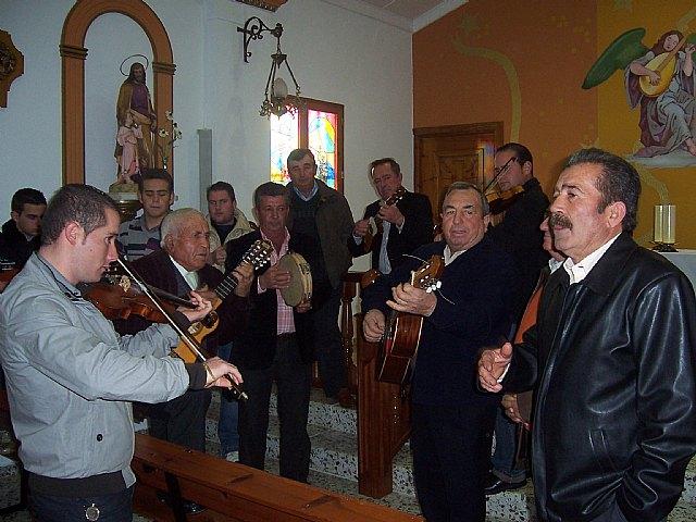 Autoridades municipales acuden al Raiguero Alto donde se celebró una misa en la ermita de Santo Domingo, Foto 1