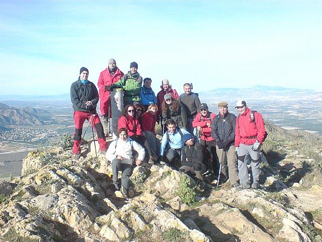 El Club Senderista de Totana realizó su primera salida del presente año ascendiendo hasta la cumbre de la Sierra de Callosa, Foto 1