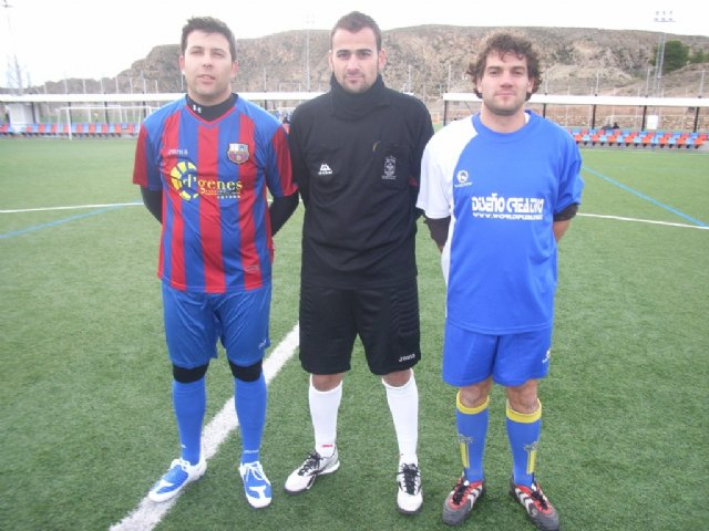 Los tropiezos del equipo de Los Pachuchos y Muebles Mondrián propician un triple empate en el liderato de la Liga de Futbol Aficionado, Foto 3