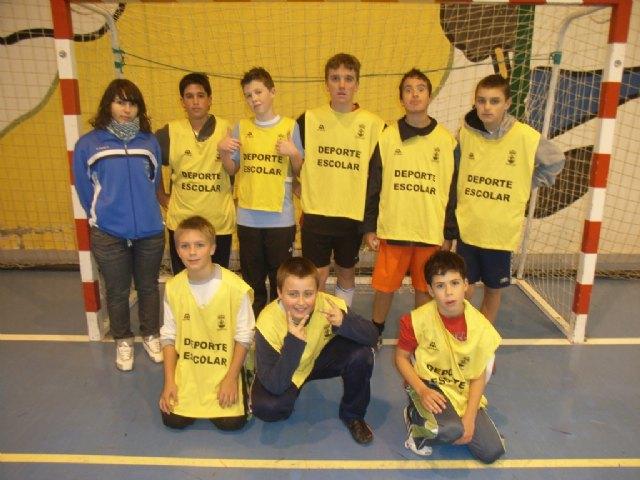 La concejalía de Deportes organizó la fase local de los deportes de equipo de Deporte Escolar, Foto 2