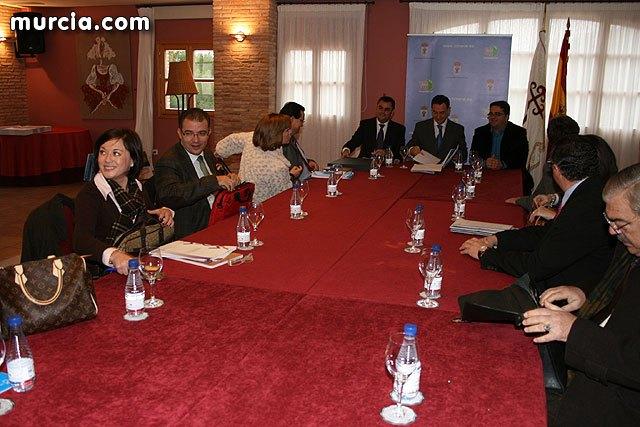 La consejería de Política Social inicia el curso 2010 con la celebración del Consejo de Dirección de Política Social en La Santa, Foto 1