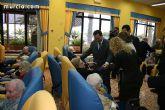 """Los más de 90 usuarios de la Residencia """"La Purísima"""" reciben la visita del consejero de Política Social - 7"""