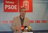 Los socialistas aseguran que el del PP de Totana se ha aislado de las instituciones y de su propia organización