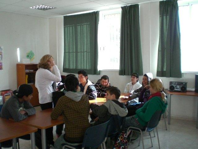 Los alumnos del Aula Ocupacional de Totana participan en un taller de educación afectiva-sexual, Foto 1