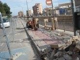 IU critica la demolición de las aceras en la Avenida de la Rambla y las califica de absurdas, fruto de un Gobierno con mentalidad de nuevo rico