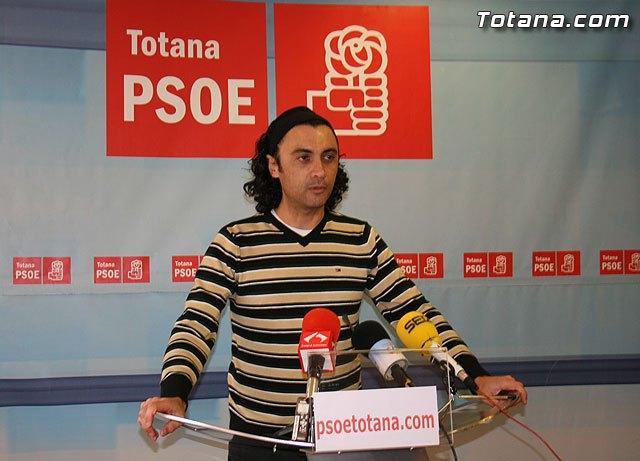 Martínez Usero: Los políticos tenemos que dar ejemplo ante la situación económica del ayuntamiento, Foto 1