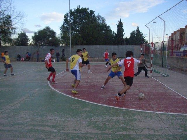 La cuarta jornada de la fase intermunicipal de deporte escolar  enfrentó  a los centros de enseñanza de Totana y Águilas, Foto 2