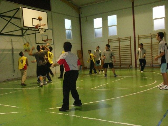 La cuarta jornada de la fase intermunicipal de deporte escolar  enfrentó  a los centros de enseñanza de Totana y Águilas, Foto 3