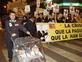 Delegados sindicales, políticos de IU y vecinos de Totana, asisten en Murcia a la manifestación convocada para defender las pensiones y los derechos sociales de los trabajadores