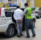 La Guardia Civil detiene a tres personas y esclarece un nuevo robo con fuerza en Alhama