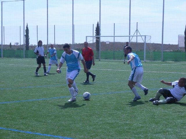 """El equipo """"Céser Sánchez Los Cachorros"""" golea contra pronóstico a Transportes El Lobo, Foto 2"""