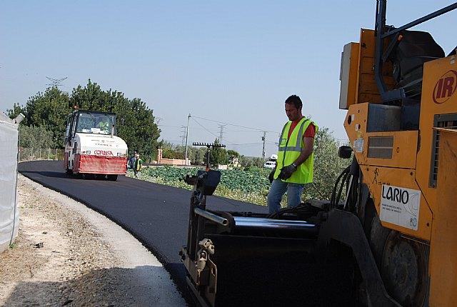 La concejalía de Caminos informa de que se han subsanado las deficiencias del camino del Mazarronero con la repavimetación del firme, Foto 2