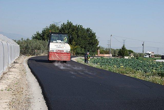 La concejalía de Caminos informa de que se han subsanado las deficiencias del camino del Mazarronero con la repavimetación del firme, Foto 3