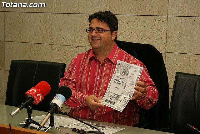 La Concejalía de Participación Ciudadana pone otra vez en marcha el curso de Alfabetización Informática, Foto 1