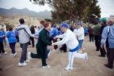 Los mayores practican senderismo y gerontogimnasia en Puerto de Mazarrón