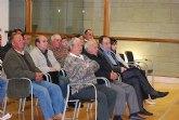 Más de cincuenta afectados por el trazado del AVE se han reunido con el alcalde, concejales y una empresa especializada