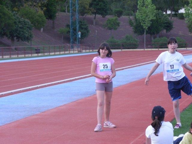 Una veintena de alumnos de los centros Reina Sofía, San José y Santa Eulalia participan en la semifinal regional de atletismo, Foto 3