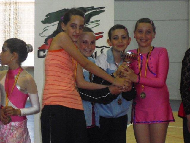 Las alumnas de la Escuela Municipal de Gimnasia Rítimica de Totana y Paretón consiguieron medallas de oro, plata y bronce, Foto 2