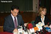 El alcalde de Totana y el consejero de Pol�tica Social, Mujer e Inmigraci�n firman un convenio de colaboraci�n por un importe de 175.245 euros - 1
