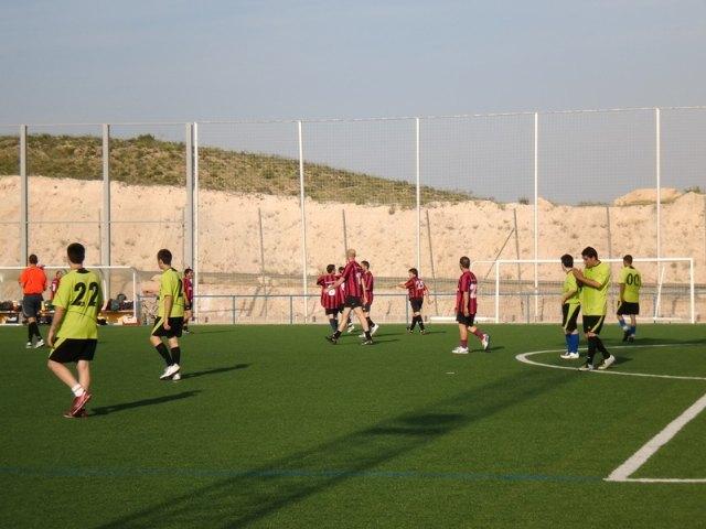 La trigesimo segunda jornada de la liga de fútbol aficionado Juega Limpio destaca por la importante victoria conseguida por Los Pachuchos, Foto 3