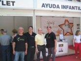 D'Genes y FEDER Murcia visitan el outlet solidario de SOS Ayuda Infantil