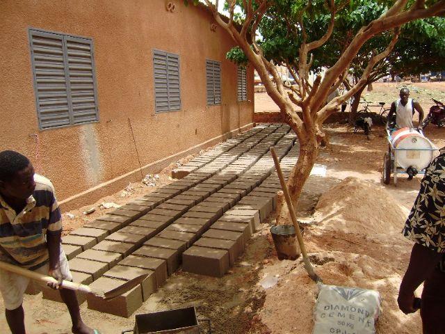 Comienza la construccion de la escuela financiada por las Ampas de Totana, Alhama y Aledo en la ciudad de Bobo, en Burkina Faso - 4