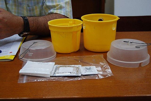 Comienza la Campaña de lucha contra mosca de la fruta 2010, Foto 2