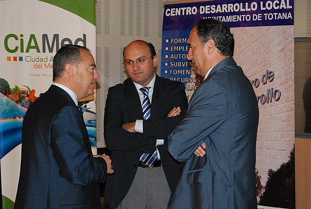 Alhama participa en el foro de debate de las oportunidades de negocio de la comarca del Guadalentín, Foto 1