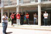 El concejal de Bienestar Social entrega los diplomas a las personas que se han formado en los talleres de pintura y alfabetizaci�n - 12