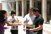 El concejal de Bienestar Social entrega los diplomas a las personas que se han formado en los talleres de pintura y alfabetizaci�n - 23