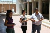 El concejal de Bienestar Social entrega los diplomas a las personas que se han formado en los talleres de pintura y alfabetizaci�n - 32