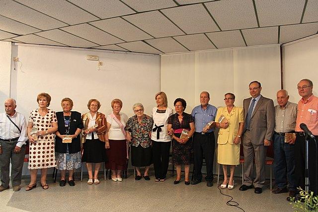 Varios mayores recitan sus poesías presentadas a concurso, Foto 1
