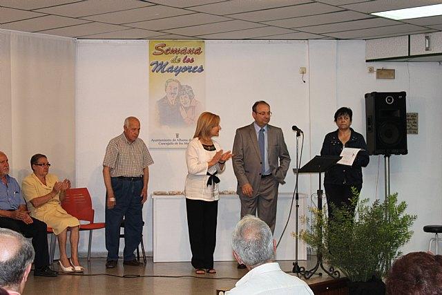 Varios mayores recitan sus poesías presentadas a concurso, Foto 4