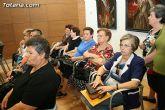 Más de 200 usuarios del Centro Municipal de Personas Mayores de la localidad reciben los diplomas - 9