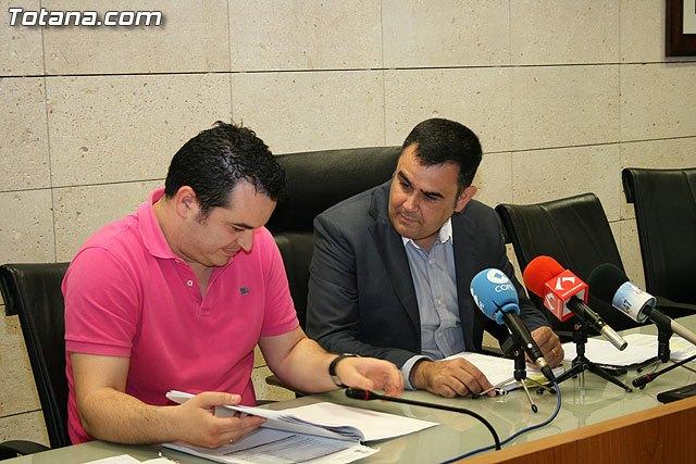 El Ayuntamiento recorta 5 millones de euros en el presupuesto municipal para el 2010, Foto 1
