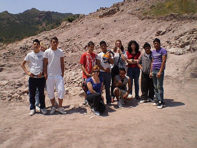 Los alumnos del Aula Ocupacional realizan una visita guiada al Yacimiento Argárico de La Bastida, Foto 1
