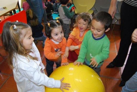 La Junta de Gobierno Local aprueba las bases de la convocatoria pública para la creación de una bolsa de trabajo de educador infantil  para la concejalía de Educación, Foto 1