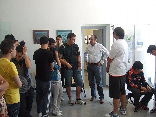 Más de medio centenar de alumnos del IES Prado Mayor de Totana participan en la jornada de puertas abiertas del Centro de Desarrollo Local, Foto 1