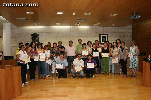 Más de 60 personas han participado en las acciones formativas organizadas por las concejalías de Bienestar Social y Participación Ciudadana, Foto 1