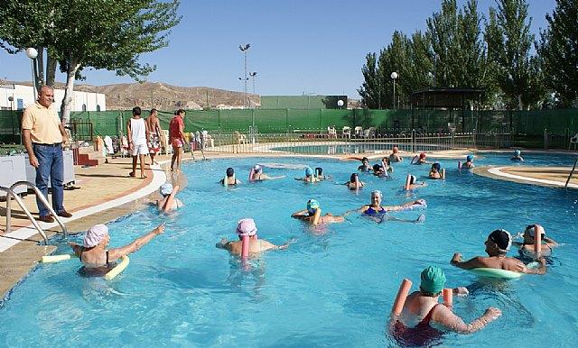 Puerto lumbreras puerto lumbreras abre las piscinas for Piscina alcantarilla