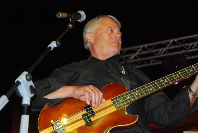 El programa de fiestas de Santiago arrancó con el concierto Aquellos maravillosos años, Foto 1