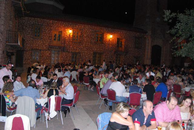 El programa de fiestas de Santiago arrancó con el concierto Aquellos maravillosos años, Foto 3