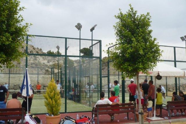 """Arranca en la Ciudad Deportiva """"Sierra Espuña"""" el II Torneo de Pádel Fiestas de Santiago, Foto 1"""