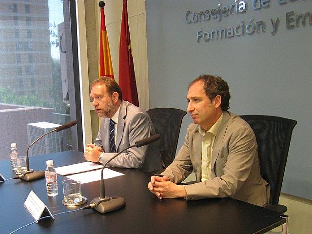 La Región inyecta más de 27,5 millones de euros a los ayuntamientos para crear más de 2.000 empleos, Foto 1